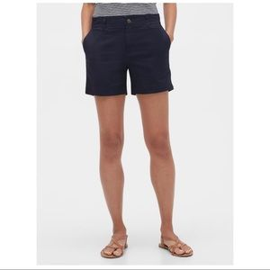 "GAP 5"" Khaki Shorts"